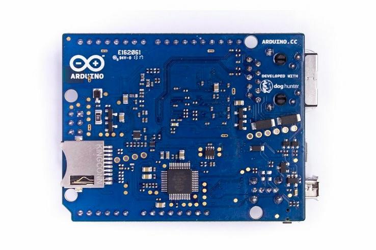 Arduino Yun Aquí llega Arduino Yún, Arduino con WIFI y Linux