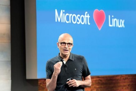 Microsoft nuevo miembro de la Linux Foundation, con caja de bombones incluida